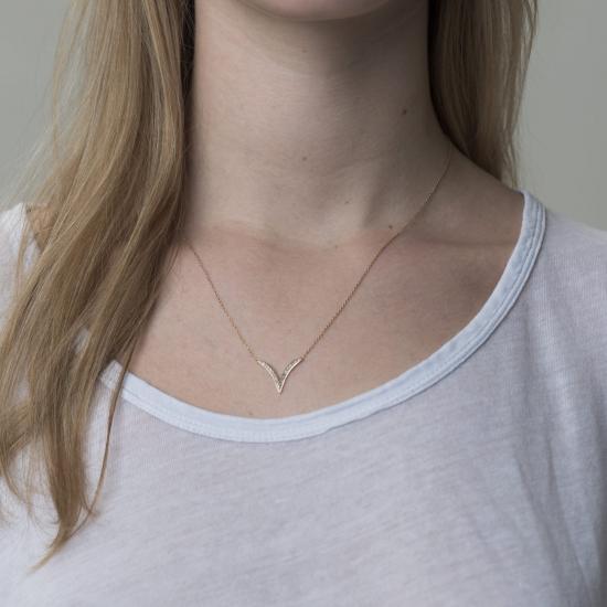 v necklace