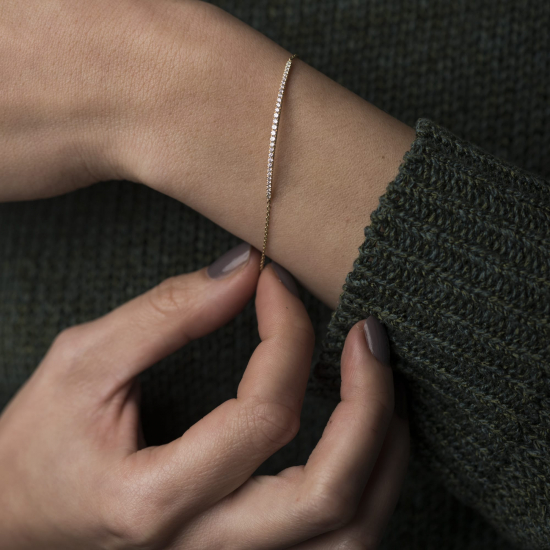 Diamond bar bracelet