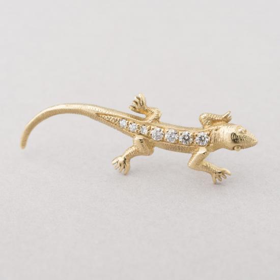 Salamander stud.